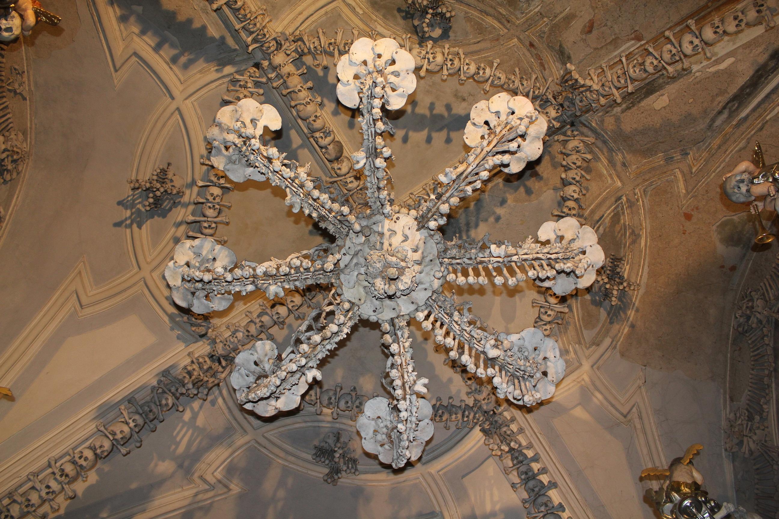 20355-kostnice-v-sedlci-sedlec-ossuary-2.jpg