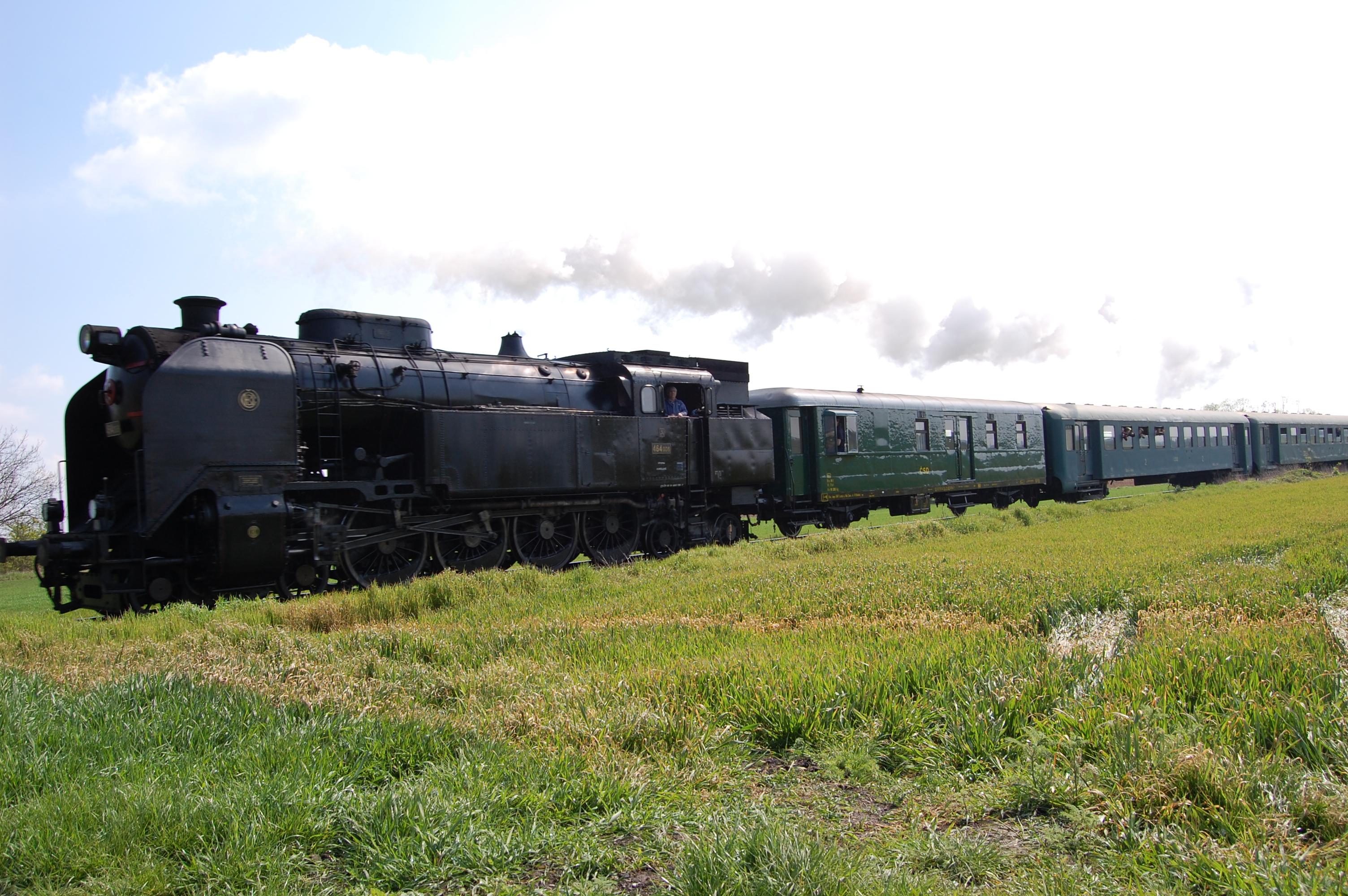 3573-parni-vlak-ilustr-foto.jpg
