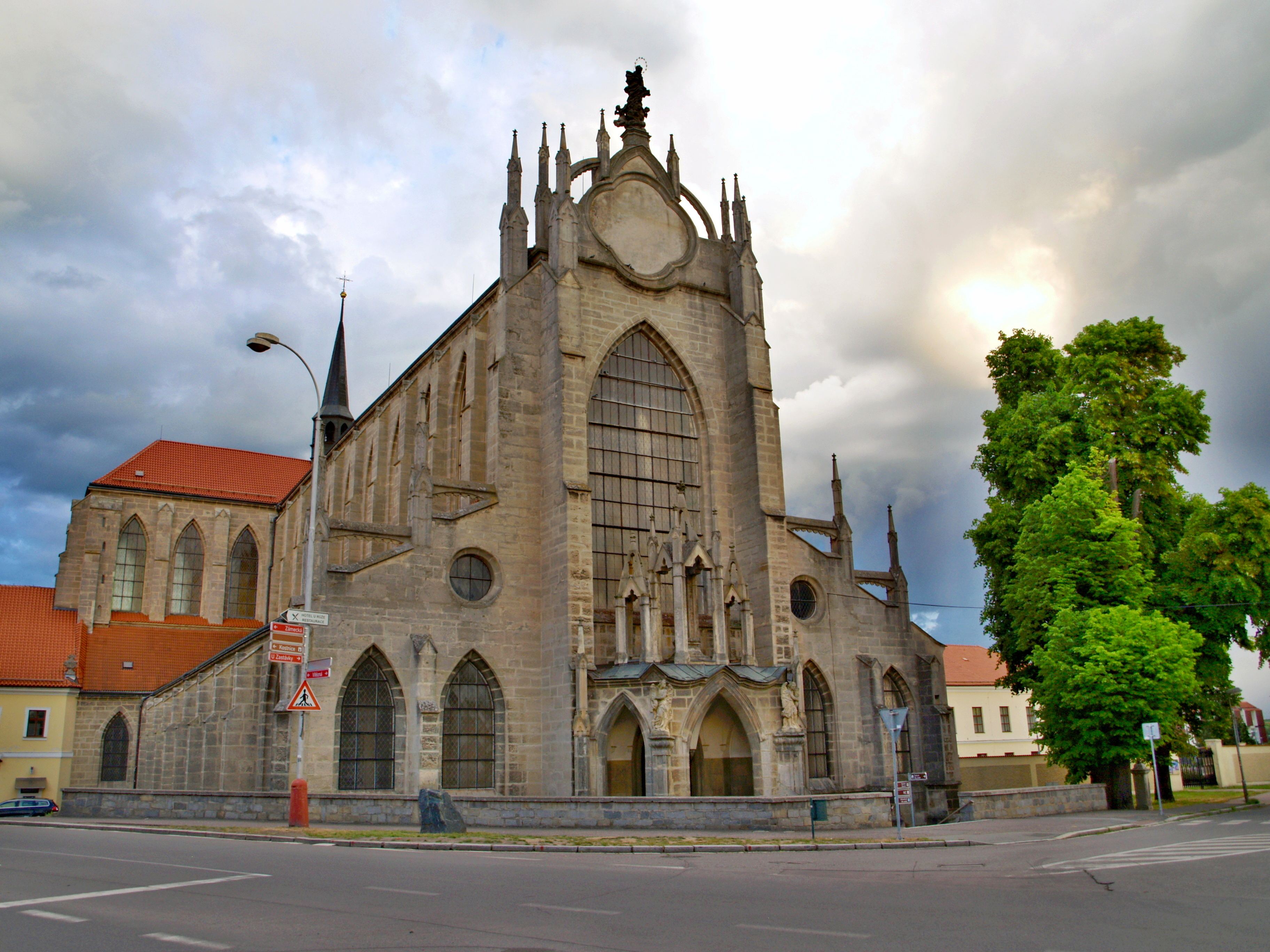 5594-katedrala-nanebevzeti-panny-marie-a-sv-jana-krtitele-cathedral-of-assumption-of-our-lady-and-st-john-the-baptist.jpg