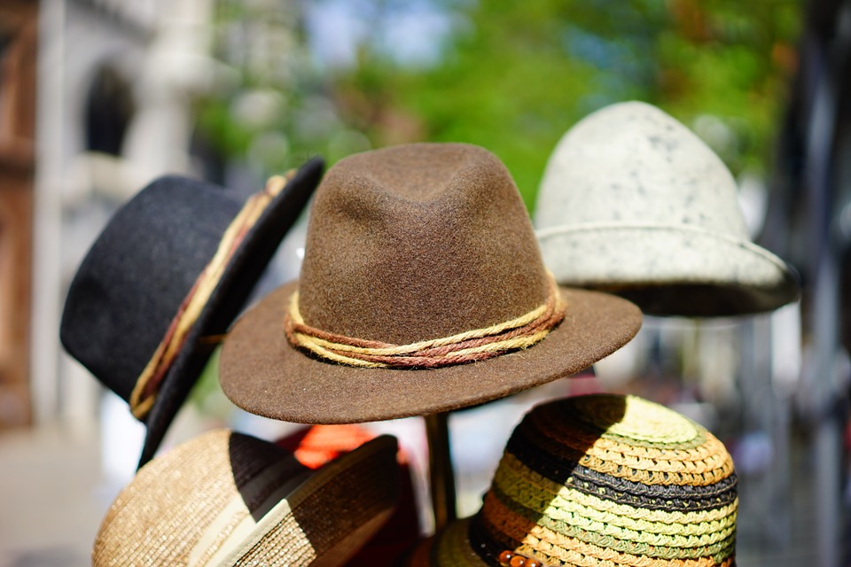 7699-hats-829509-960-720.jpg