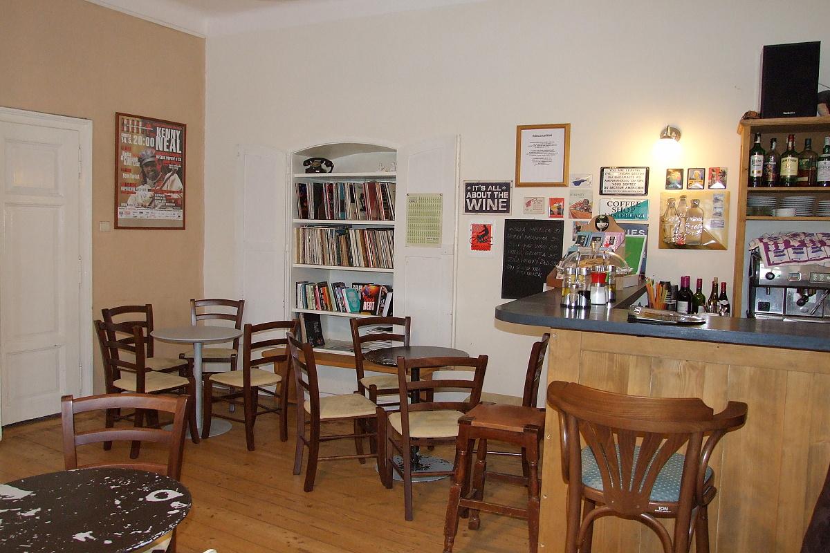 7749-blues-cafe.jpg