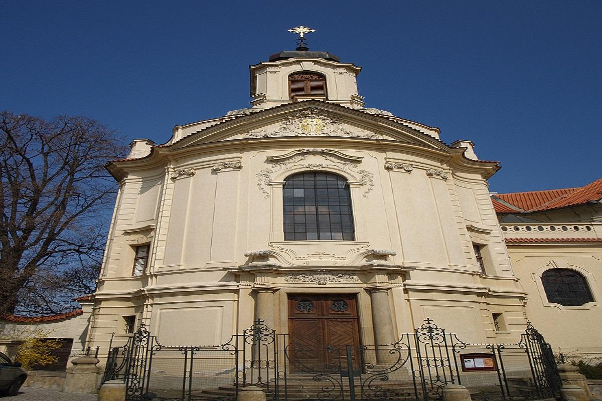 9921-kostel-nejsvetejsiho-srdce-pane.jpg