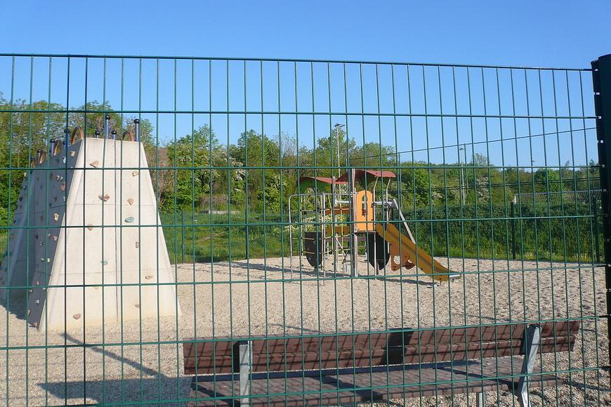 Dětské hřiště - Jana Palacha (1)