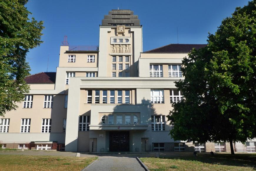 Průmyslová škola (2)