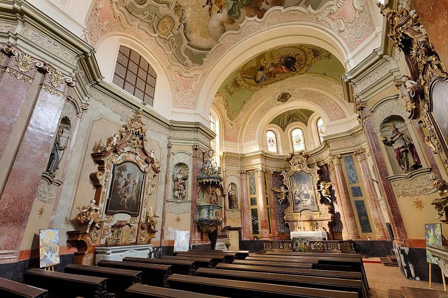 Kostel sv. Jana Nepomuckého (© František Renza)