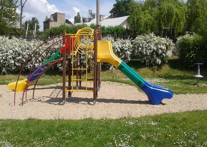 Dětské hřiště - Kaňk (1)