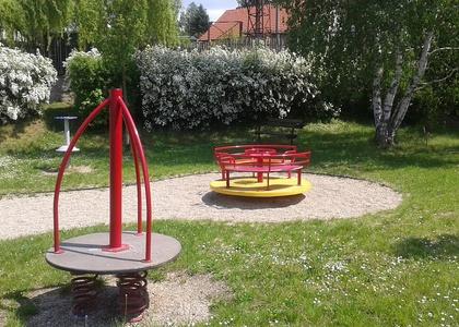 Dětské hřiště - Kaňk (3)