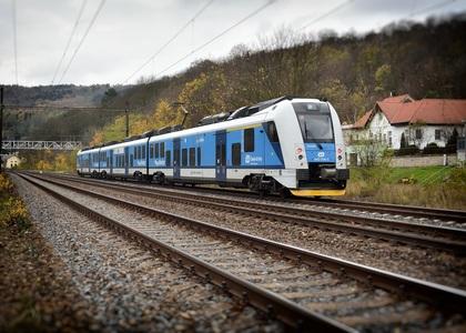 train-2927501_1920. perex.jpg