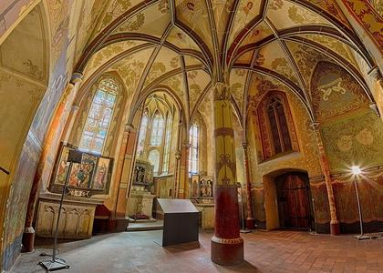 Italian Court (© František Renza)